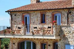 La terrazza prospiciente le camere